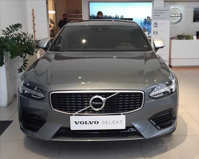 Volvo S90 T8 AWD R-DESIGN NEZ.TOPENÍ