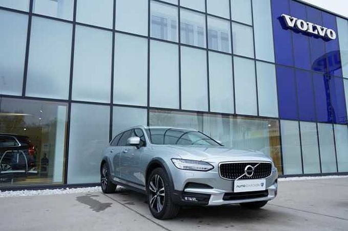 Volvo V90 CROSS COUNTRY D4 AWD PRO 1.maj